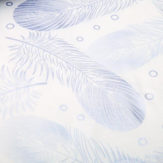 真丝混纺大提花面料具有质地柔软,细腻,爽滑的独特质感,光泽度好,悬垂